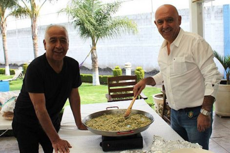 Para la ocasión, Juan Celis y Javier Tobón prepararon la paella con motivo del Día del Padre