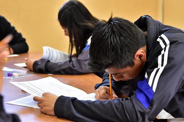 Hoy aplicarán examen Planea a alumnos de tercero de secundaria