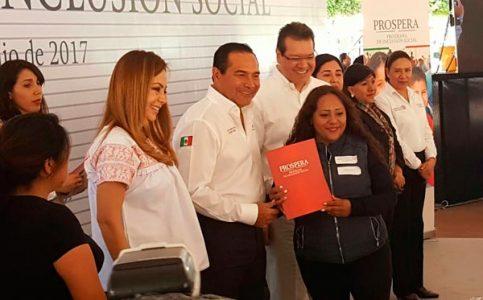 Compromete titular de Sedesol 15 comedores, 10 lecherías y 10 estancias más para Tlaxcala