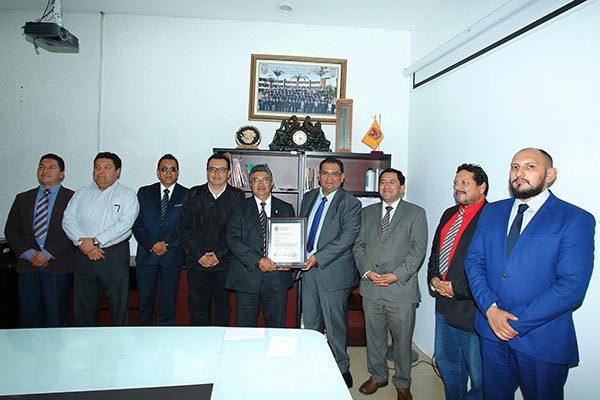 Recibe la UAT certificado de calidad por tránsito a la Norma ISO 9001:2015