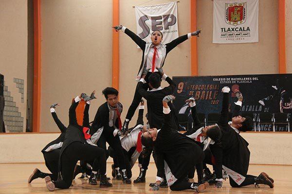 Celebró Cobat noveno Intercolegial de Baile
