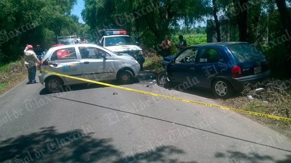 Dos lesionados deja accidente en Santa Justina Ecatepec