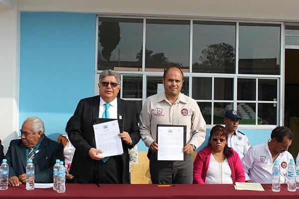 Fortalecerá alcalde  de Santa Cruz Tlaxcala infraestructura de escuelas públicas