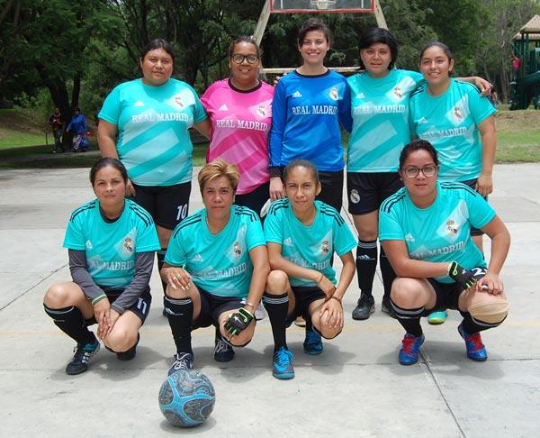 """Real Madrid, equipo femenil de la categoría libre, también participa en el torneo profesional deportivo """"Xicohténcatl Axayacatzin"""" que busca prevenir el delito, adicciones y la violencia. /Fabiola VÁZQUEZ"""