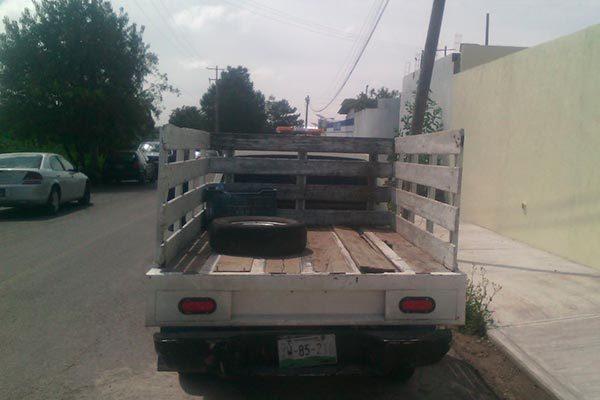Detienen en Huamantla a un hombre por transportar gasolina oculta en una camioneta