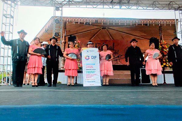 Zacatelco participa en el séptimo Festival de danzón en Zacatlán