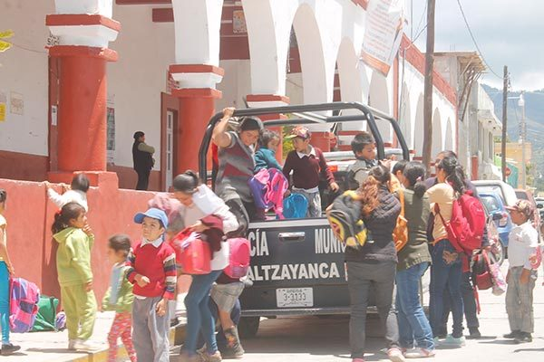 Solicitan padres de familia que no cierren el Conafe de Altzayanca