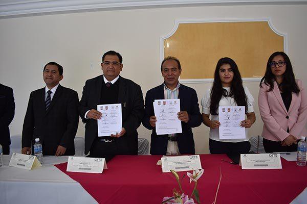 Firman convenio la UAT y ayuntamiento de Zacatelco