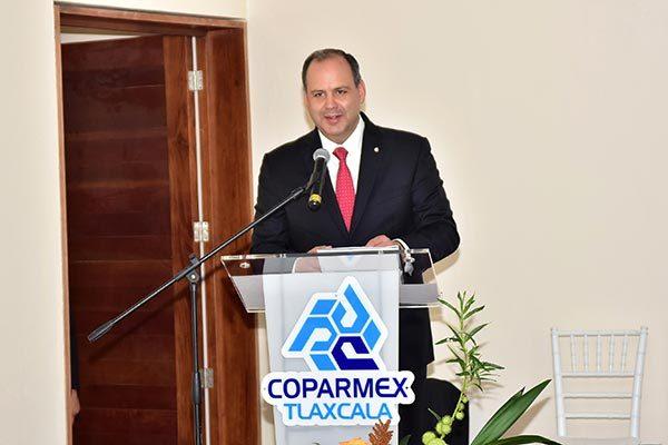 Gustavo A. Hoyos Walther, presidente nacional de la Coparmex, llamó a la unidad de todos los socios, durante la toma de protesta de los nuevos miembros del Centro Empresarial del Estado. /Héctor LORENZO
