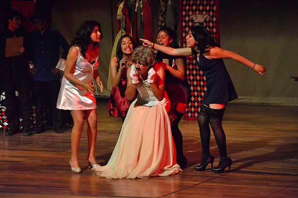 Presenta Bacanda Teatro obra del italiano Dario Fo