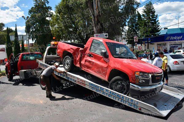 Conductor provoca  doble accidente en la  Unidad Santa Cruz