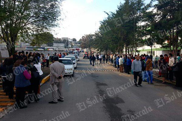 Arrecian protestas las normalistas; bloquean instalaciones de la Sepe-Uset