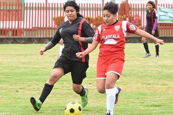La final femenil de la liga de Chiautempan fue de un solo lado. /Everardo NAVA