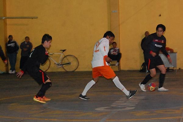 Frontera, líder general de  la liga de futsal Amaxac