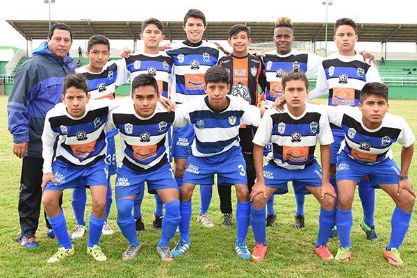 Saga Juniors, campeón del torneo de futbol en Santa Ana Chiautempan. /Everardo NAVA