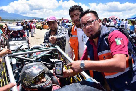 Para evitar contingencias y dar seguridad a la justa automotriz, se aplicó el alcoholímetro a los pilotos. / Héctor LORENZO