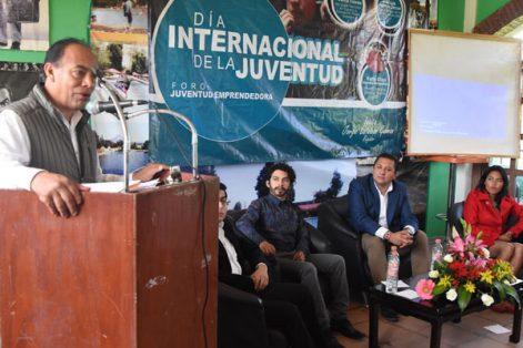 Autoridades de Zacatelco reconocieron a los participantes en el foro Juventud Emprendedora. / Everardo NAVA