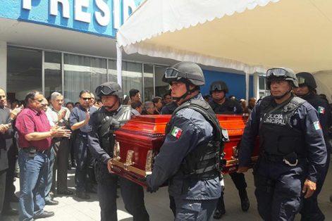 En las instalaciones de la alcaldía, autoridades municipales le rindieron un homenaje póstumo a Baltazar Maldonado Rosales, exalcalde de Apizaco. /Tomás BAÑOS