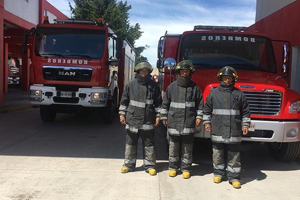 Cumplen bomberos 35 años al servicio de la población tlaxcalteca