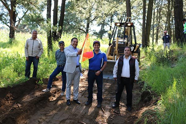 Inician obras de construcción en Tepatlaxco, Chiautempan