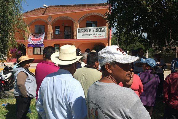 Amagan pobladores de Victoria, Tepetitla con suspender proyecto de saneamiento