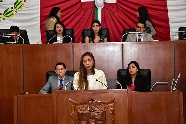 Presentan iniciativas integrantes del Sexto Parlamento Juvenil