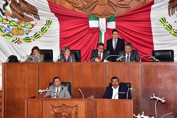 Cumplir a tiempo con el trabajo legislativo, ofrece Arévalo Lara