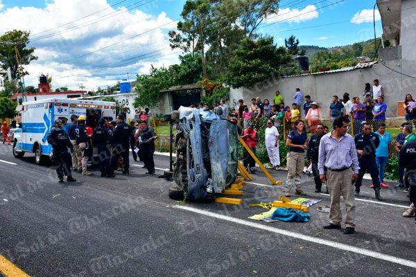 Sufre volcadura y vive para contarlo en la autopista El Molinito-San Martín