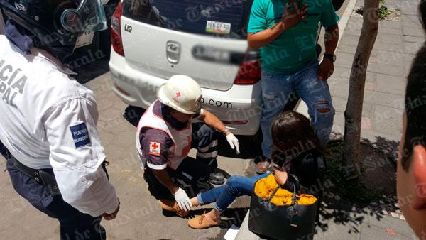 Arrolla policía municipal a mujer en el centro de la ciudad de Tlaxcala