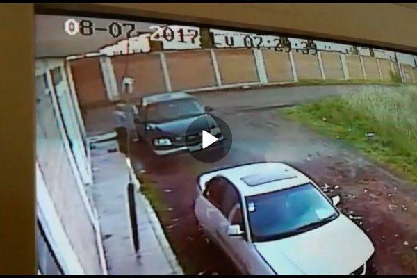 [Video] Capta cámara de vigilancia el robo de una camioneta