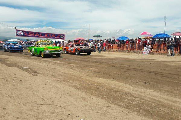 Arranca la tradicional carrera de carcachas en Huamantla
