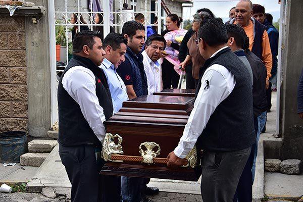Ignacio Vázquez Acoltzi fue velado en La Candelaria, Tlaxcala, hoy será despedido en el panteón de Xochiteotla, municipio de Chiautempan