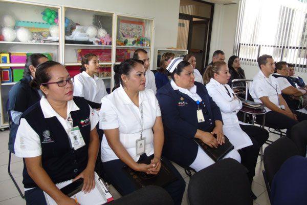 Visitan directivos de San Luis Potosí la Unidad de Maternidad de Ixtacuixtla
