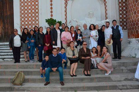 Familiares acompañaron a los hermanos en su primera comunión