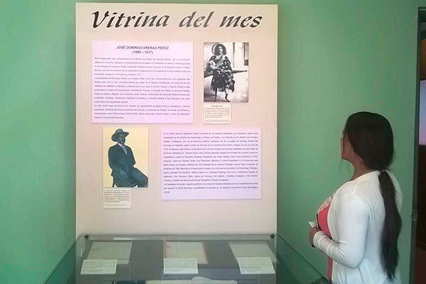 Dedica Museo de la Memoria Vitrina del Mes a Domingo Arenas