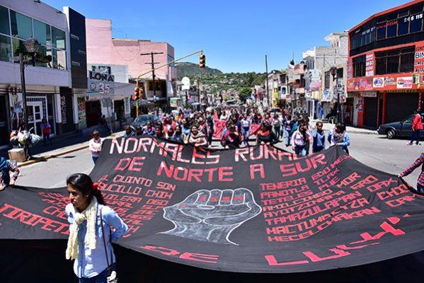 Inician normalistas negociación de pliego petitorio con la Sepe