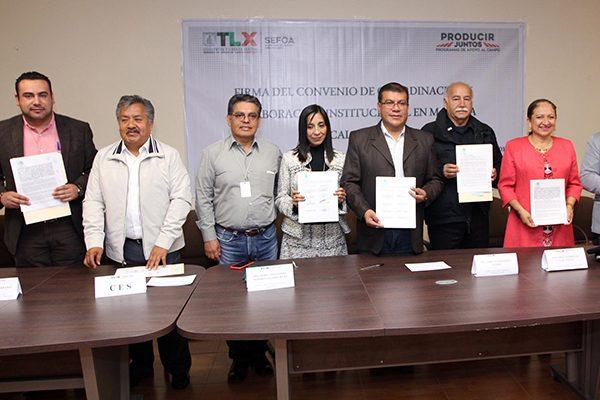 Firma Gobierno convenio con municipios para la movilización de ganado