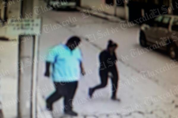 """[Video] Alertan a comerciantes sobre """"El gordo y su lady"""", dedicados a asaltar negocios en la capital"""