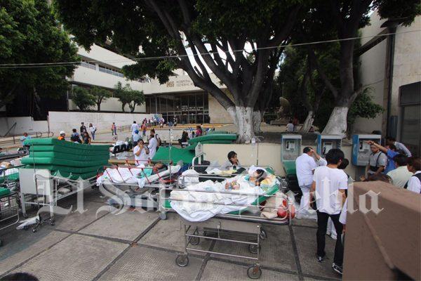 Desalojan Hospital San Alejandro del IMSS en Puebla tras amenaza de derrumbe