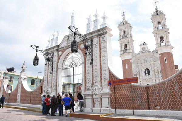 [Video] Iglesias cerraron sus puertas;  no hubo repique de campanas