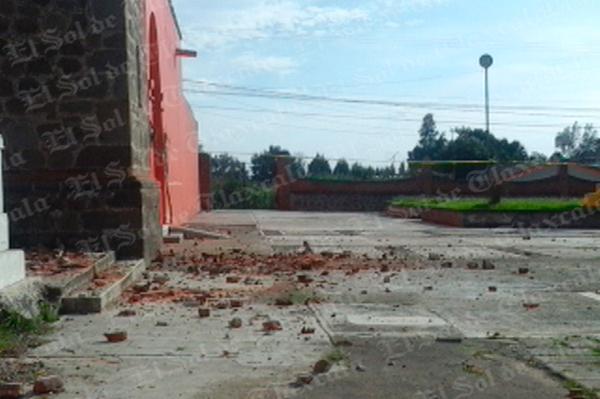Sufre afectaciones torre del templo de San Lucas Tlacochcalco