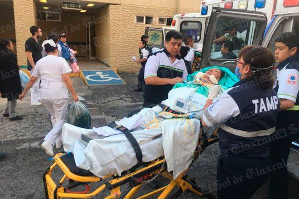 """[Video] Recibe IMSS de Tlaxcala a pacientes """"graves"""" de Puebla al quedar destruidos sus hospitales"""
