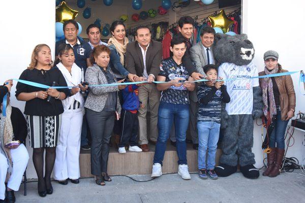 Inauguran la tienda   deportiva Star Club  en Santa Ana Nopalucan