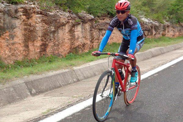 Gana Carlos López justa ciclista en Oaxaca