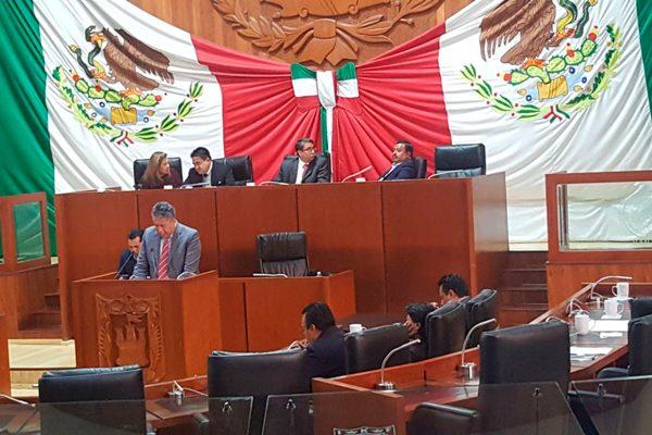 Dejan al alcalde de Amaxac sin camioneta para pagar laudo
