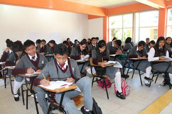 Se forman 6 mil 87 alumnos del  Cobat bajo nuevo modelo educativo