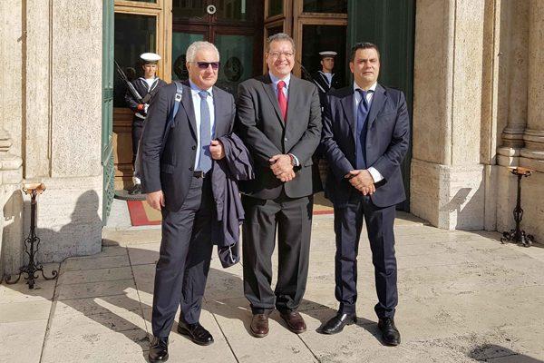 Establece Marco Mena relaciones  de trabajo con legisladores italianos
