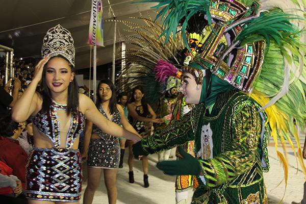 La reina del Patronato del Día del Huehue engalanó la celebración en Yauhquemehcan. /Tomás BAÑOS