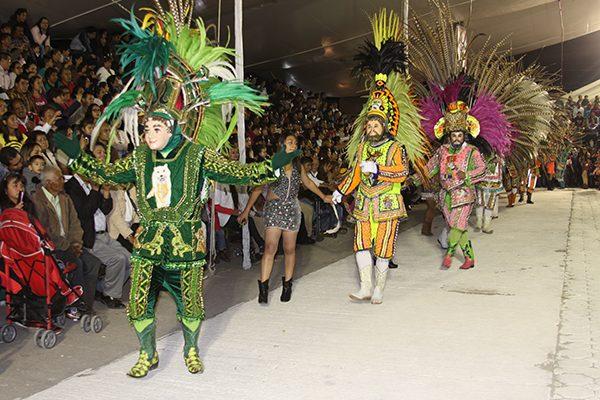 Impone récord monumental camada de danzantes en Santa Úrsula