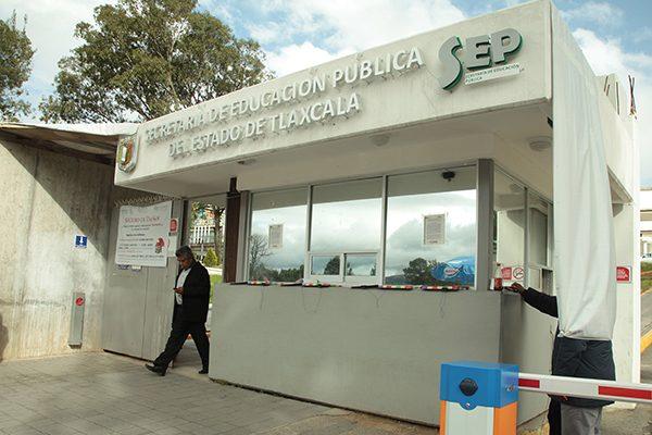 Comienzan cambios de directivos en departamentos del sector educativo